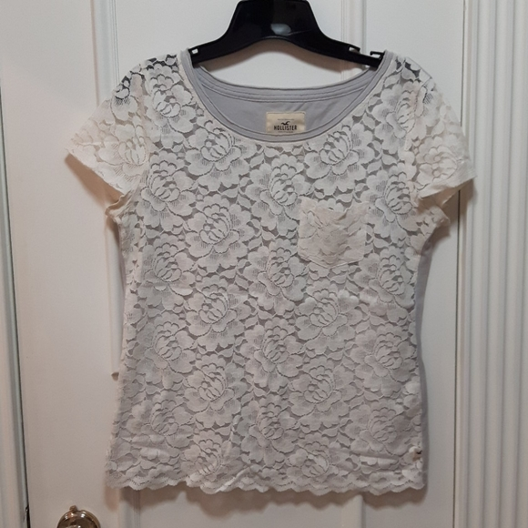 2 for 20! 🛍️ Hollister lace t shirt with pocket